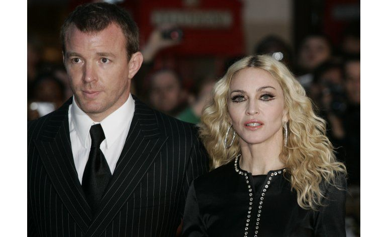 Juez implora Madonna, Ritchie resuelvan disputa por custodia