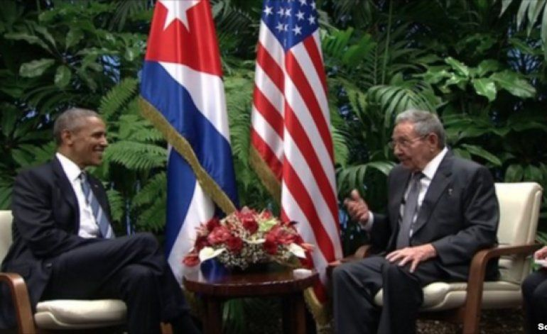 Obama y Castro reunidos en el Palacio de la Revolución