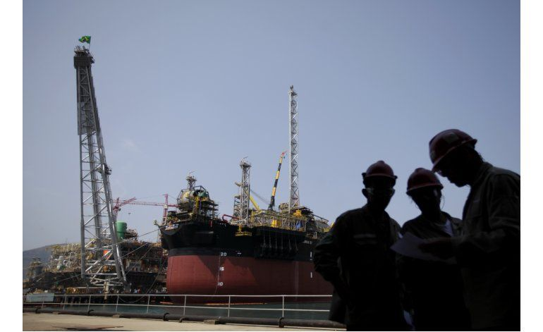 Petrobras reporta pérdida de 10.200 millones de dólares