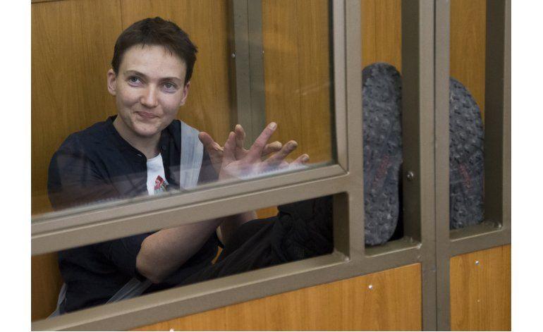 Piloto ucraniana condenada a 22 años en prisión rusa