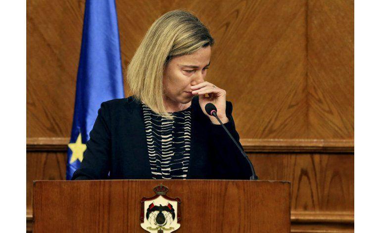 Diplomática europea embargada por tristeza tras ataques