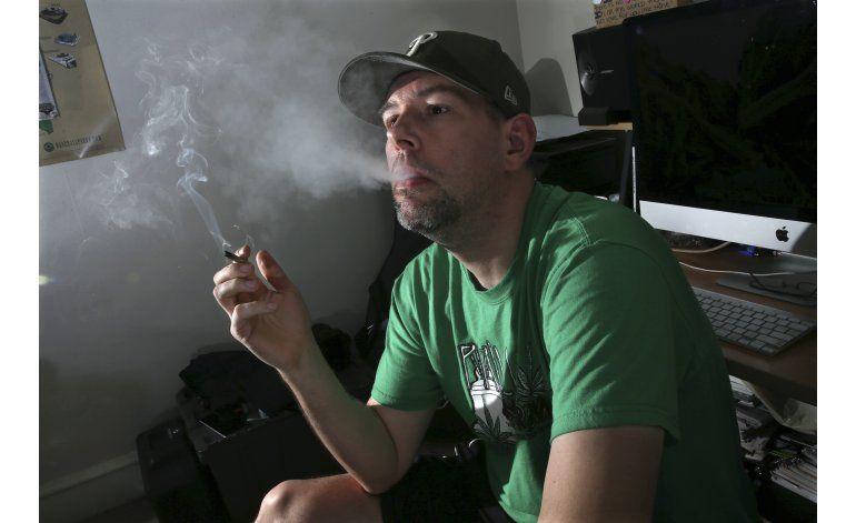 Excombatientes combaten estrés postraumático con marihuana