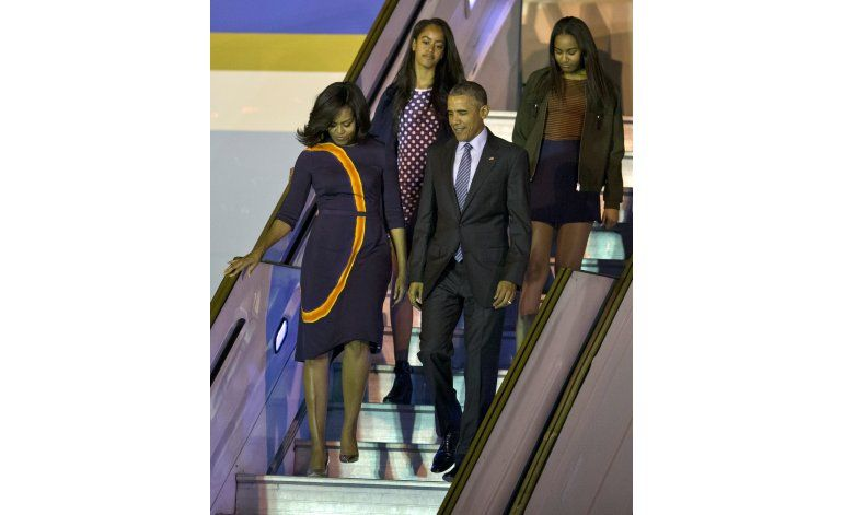 Obama aterriza en Argentina, intentará respaldar a Macri