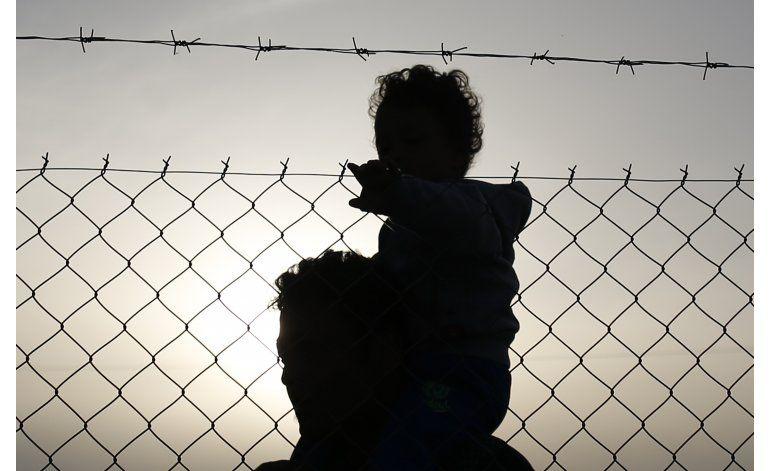 Refugiados protestan en frontera e islas griegas