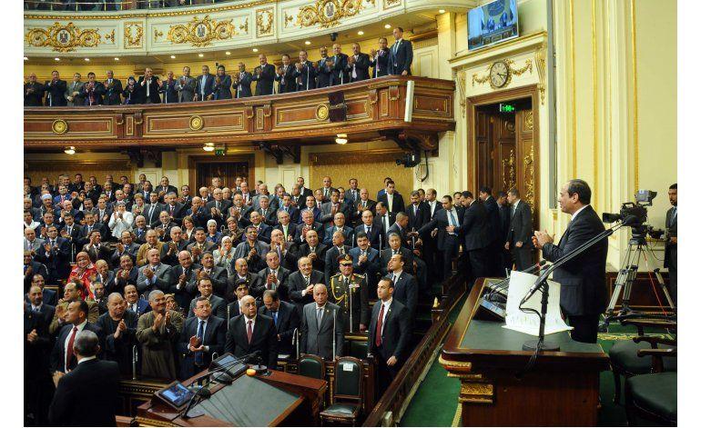 Presidente de Egipto reestructura su gabinete