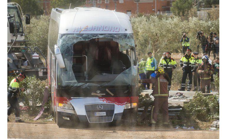 España: Conductor de autobús en accidente pudo dormitar