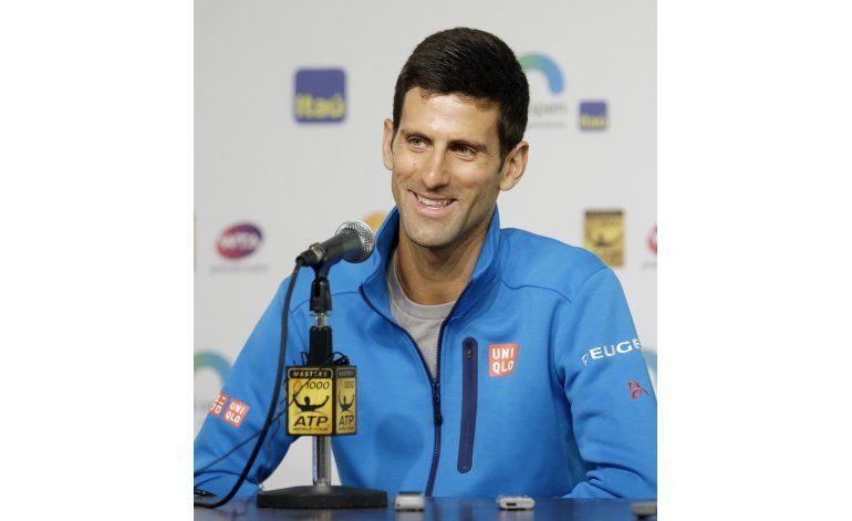 Djokovic se reúne con leyendas del tenis femenino
