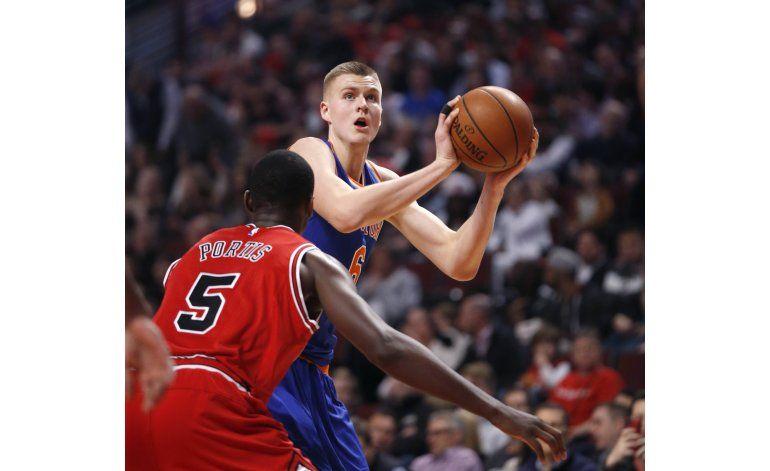 Porzingis brilla con 25 puntos, Knicks derrotan a Chicago