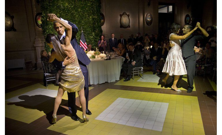 Los Obama bailan tango en Argentina