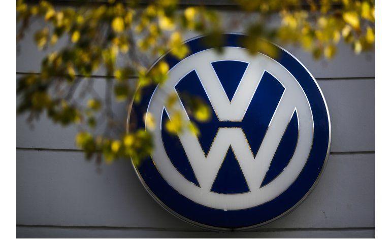 Volkswagen tiene un mes para presentar plan sobre emisiones