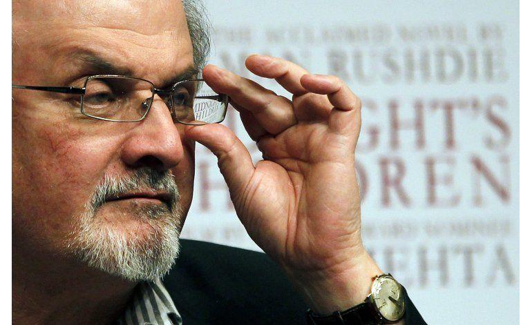 27 años después, Academia Sueca condena fetua contra Rushdie