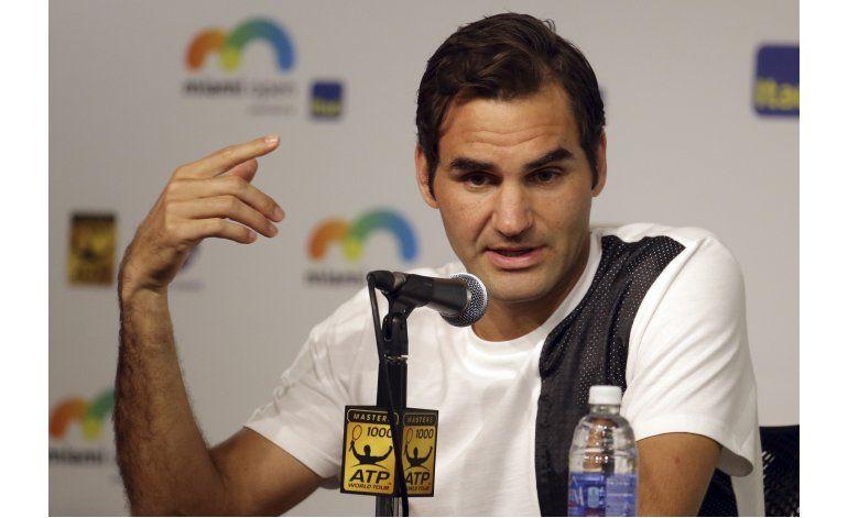 Federer atribuyó operación a accidente familiar