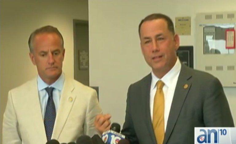 Habla  Phillip Levine el alcalde de Miami Beach a su llegada de Cuba