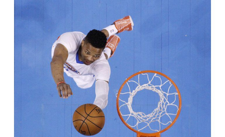 Durant anota 20 puntos en triunfo del Thunder sobre el Jazz