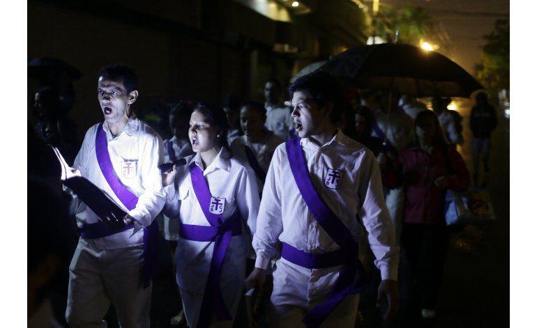 Paraguay reaviva vía crucis con coros de lamentaciones