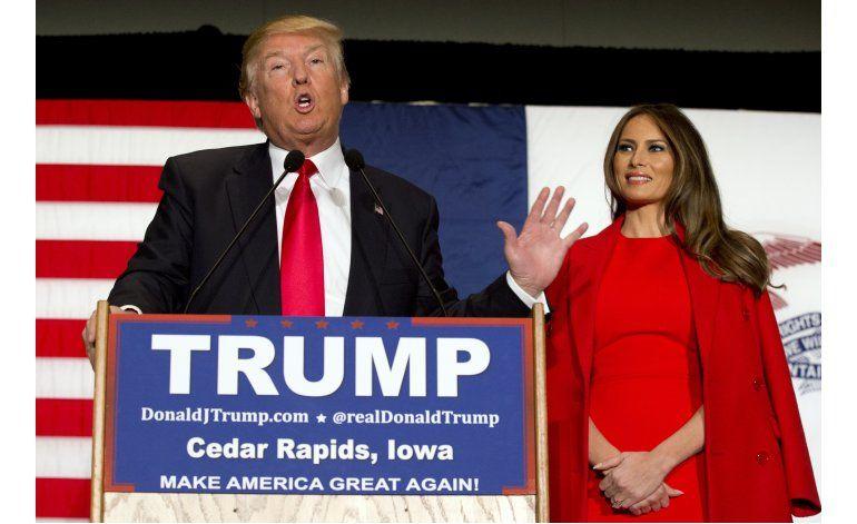 Trump se arriesga a alejar a mujeres por ataques a Cruz