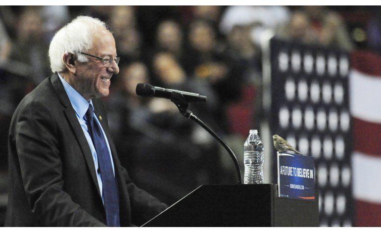 Ave se roba el espectáculo en mitin de Sanders en Portland