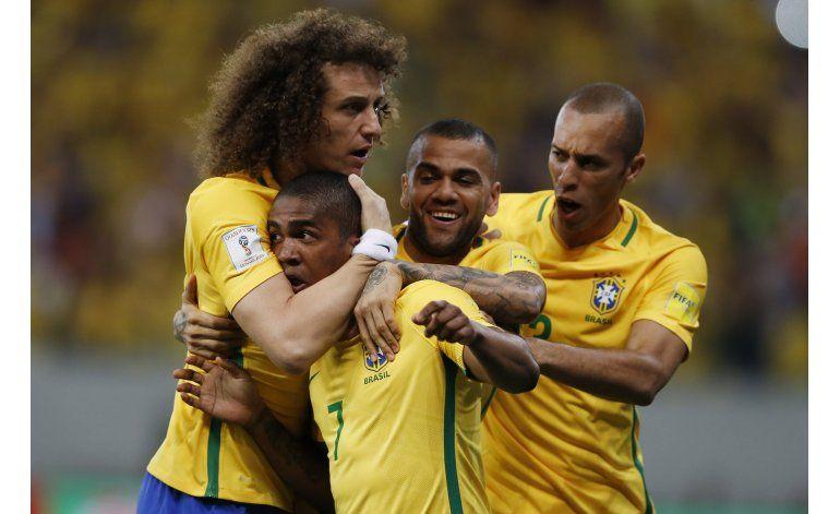 Suárez vuelve con gol y Uruguay empata con Brasil