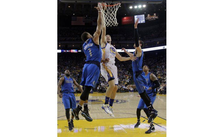 NBA: Warriors 128, Mavericks 120; Thompson anota 40