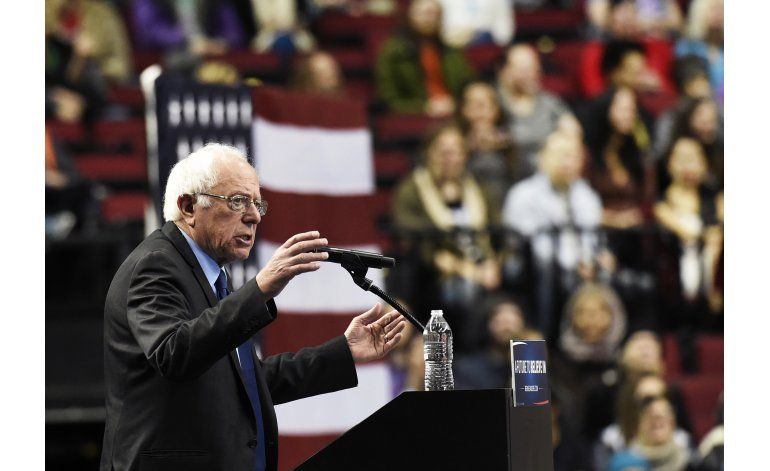 Sanders gana en Alaska y Washington; Clinton sigue al frente