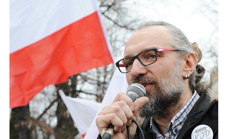 Especialista en computadoras lidera protestas en Polonia