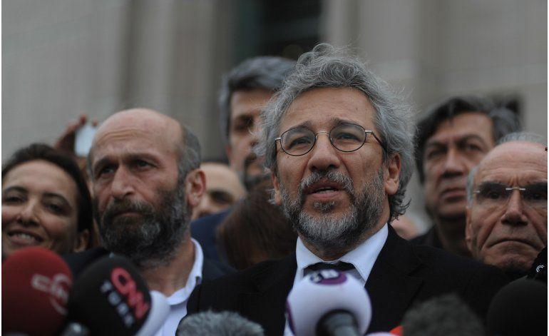 Erdogan critica a diplomáticos por asistir a juicio