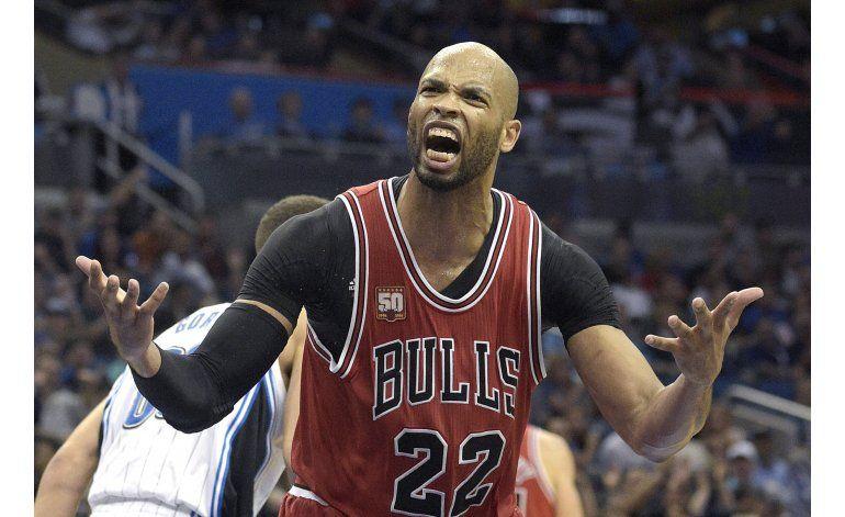 Bulls, más lejos de playoffs, tras caer ante Magic