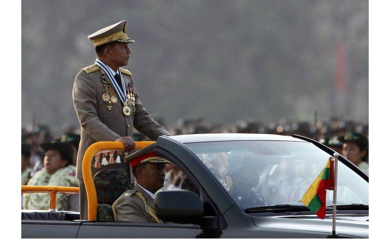 Militares de Mianmar prometen cooperar con gobierno civil