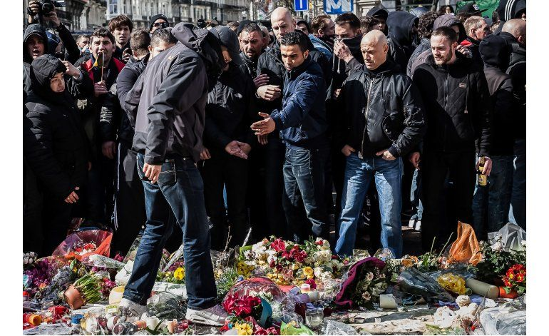 Disturbio en plaza de Bruselas utilizada para rendir tributo
