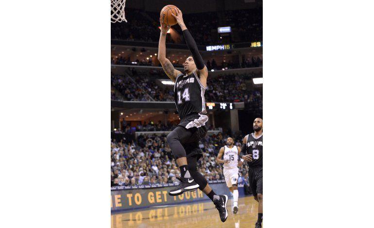 Spurs despacha a Memphis pese a ausencias