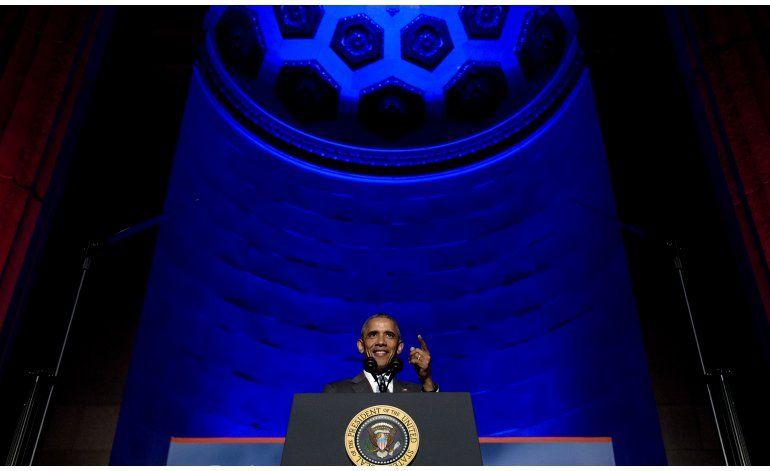 Obama pide a periodistas que sean más exigentes