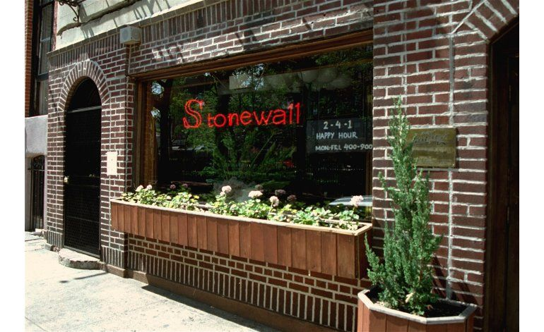 Nueva York: Mujer transexual es agredida en Stonewall Inn