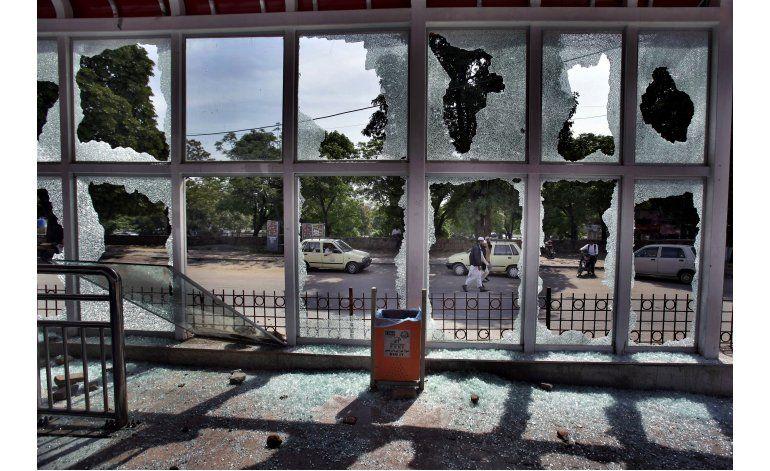 Cientos de extremistas protestan en capital de Pakistán