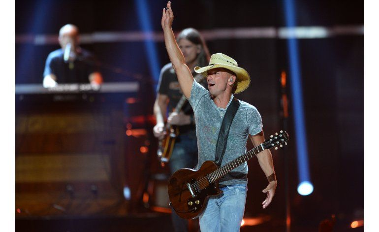 Kenny Chesney se une a SiriusXM con No Shoes Radio