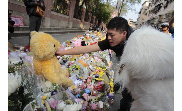 Segundo apuñalamiento en Taiwán; ahora a un policía