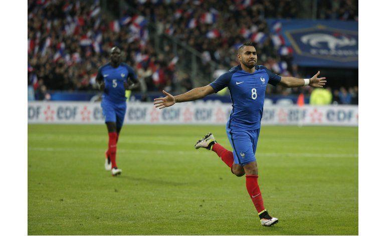 Francia vuelve a su estadio y vence a Rusia