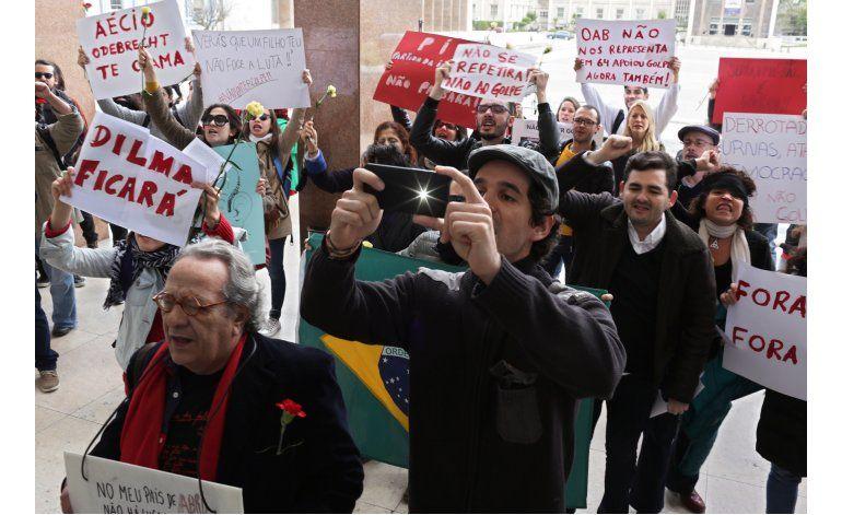 PMDB abandona coalición de gobierno de Rousseff