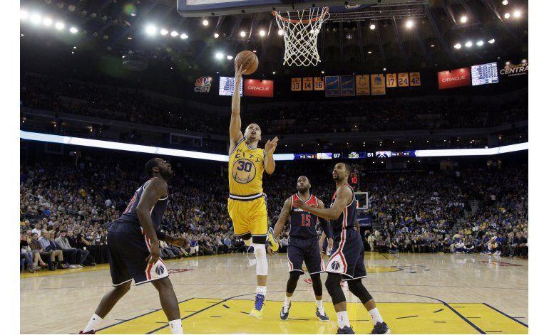 Warriors dan otro paso hacia récord