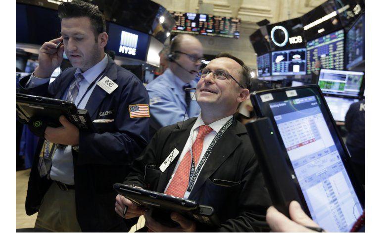 Tecnología y banca impulsan a Wall Street