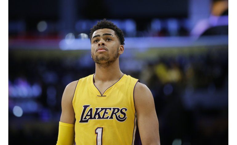 Lakers: Russell se disculpa por grabar video de Young