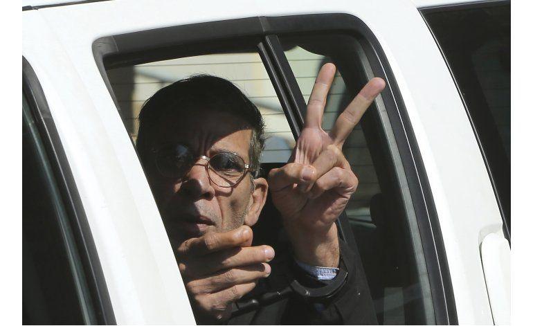 Exesposa dice que captor de vuelo de EgyptAir es peligroso