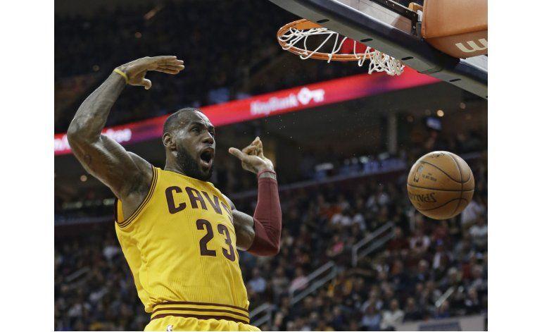 LeBron avanza en la lista de anotadores en triunfo de Cavs