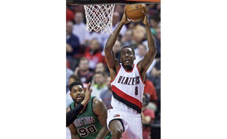 Aminu lidera a Trail Blazers en victoria sobre Celtics
