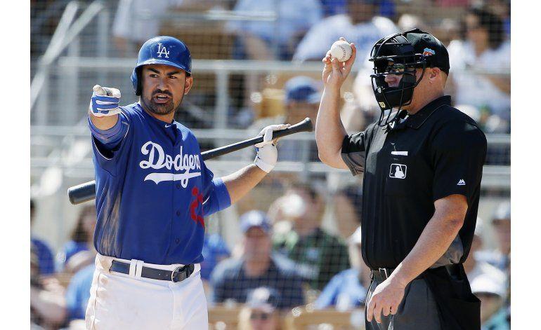 Las lesiones ponen a prueba el rico arsenal de los Dodgers