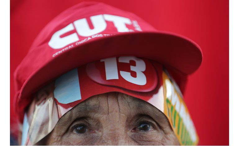 AP Explica: Juicio político a presidenta brasileña