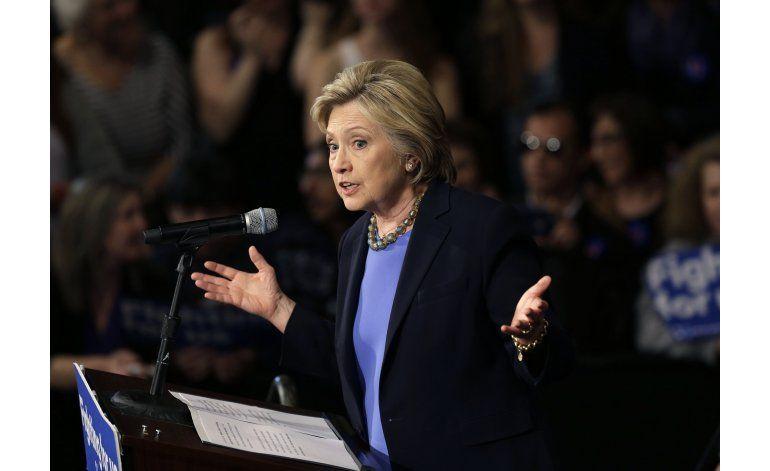Clinton trata de ganar NY con trayectoria como senadora
