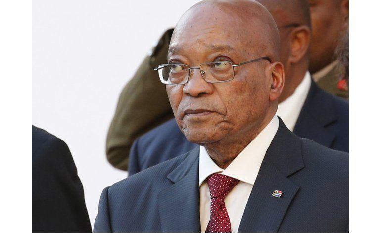 Presidente de Sudáfrica se disculpa por escándalo