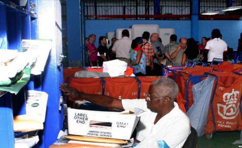 Correos de Cuba no da abasto ante avalancha de envíos de EEUU