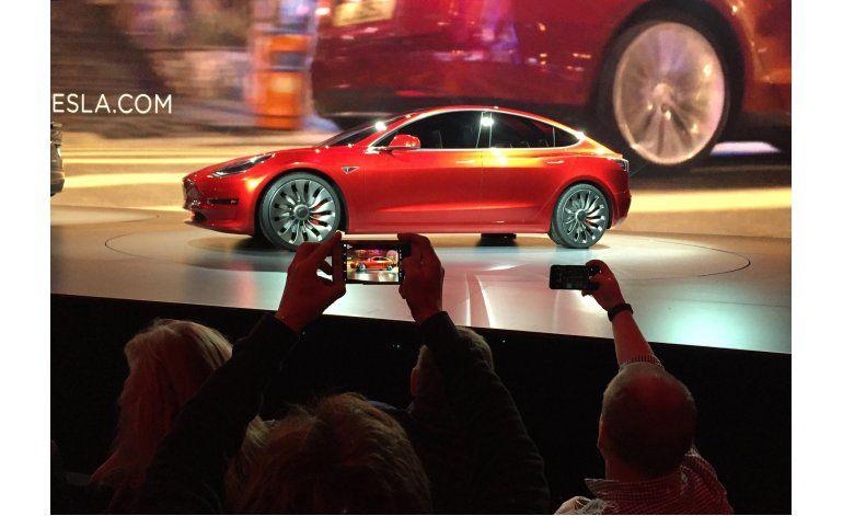 Tesla sorprendida por enorme demanda de nuevo coche