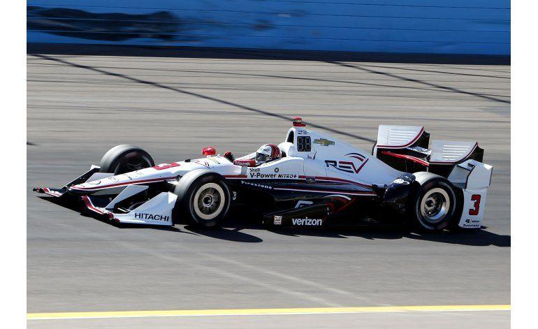 IndyCar: Castroneves gana la pole en Phoenix